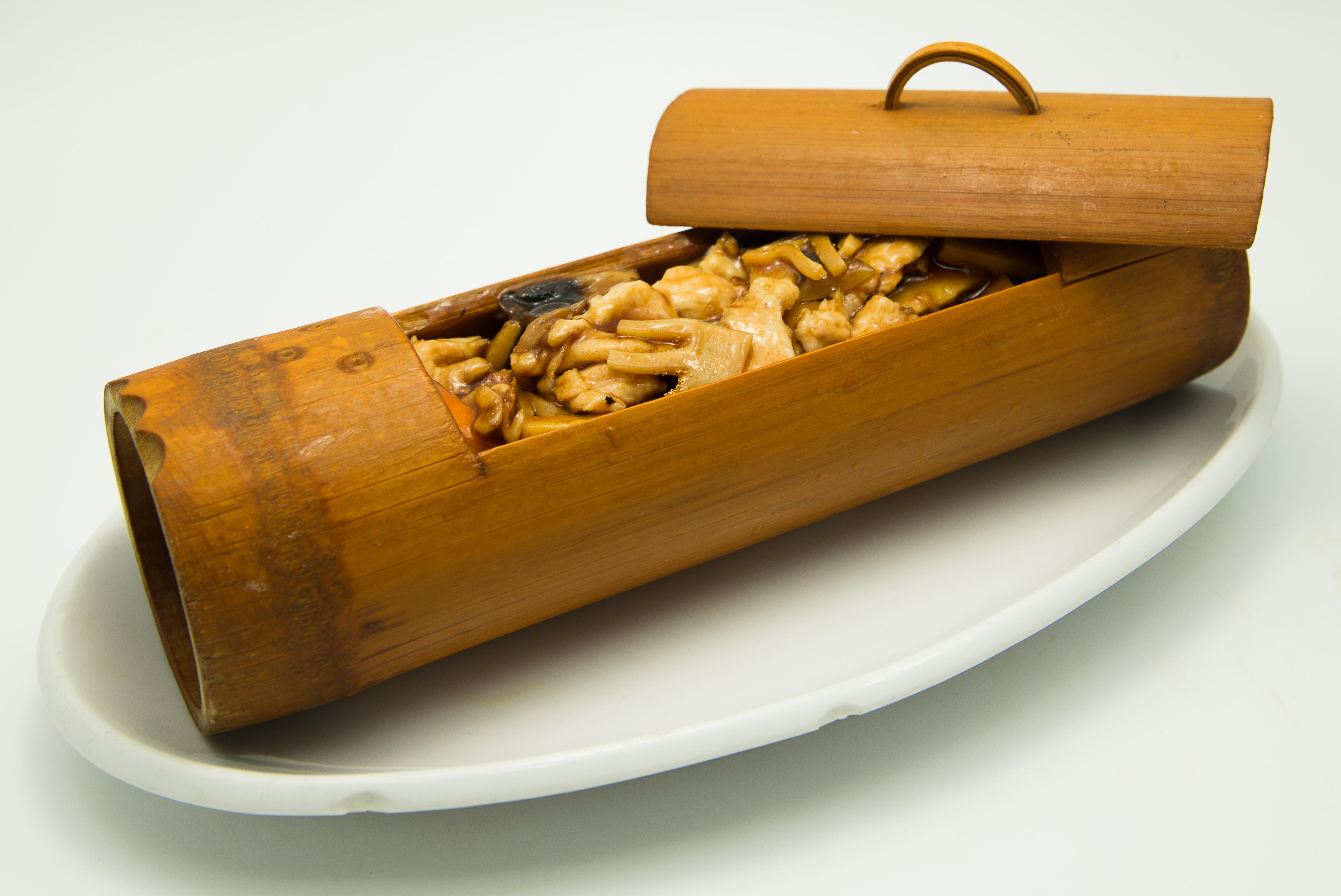 carne-de-pui-in-coaja-de-banbus