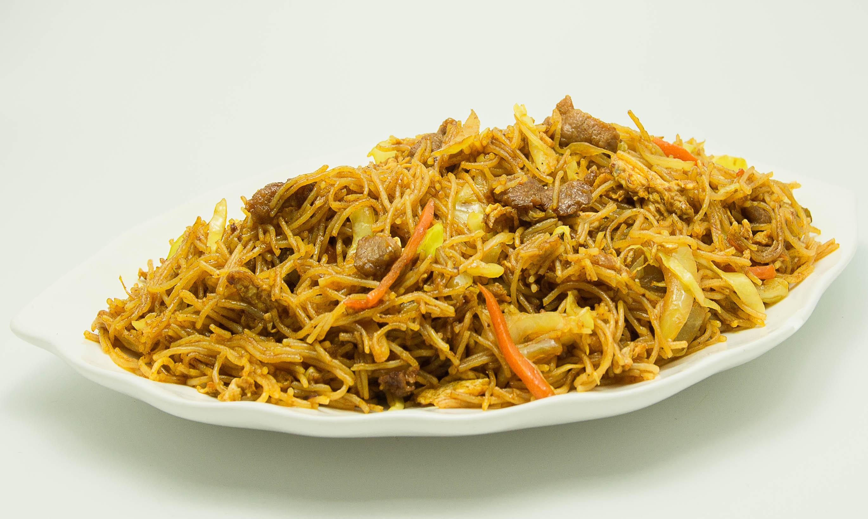 fidea-orez-prajita-cu-carne-de-vita-curry-leg-si-ou