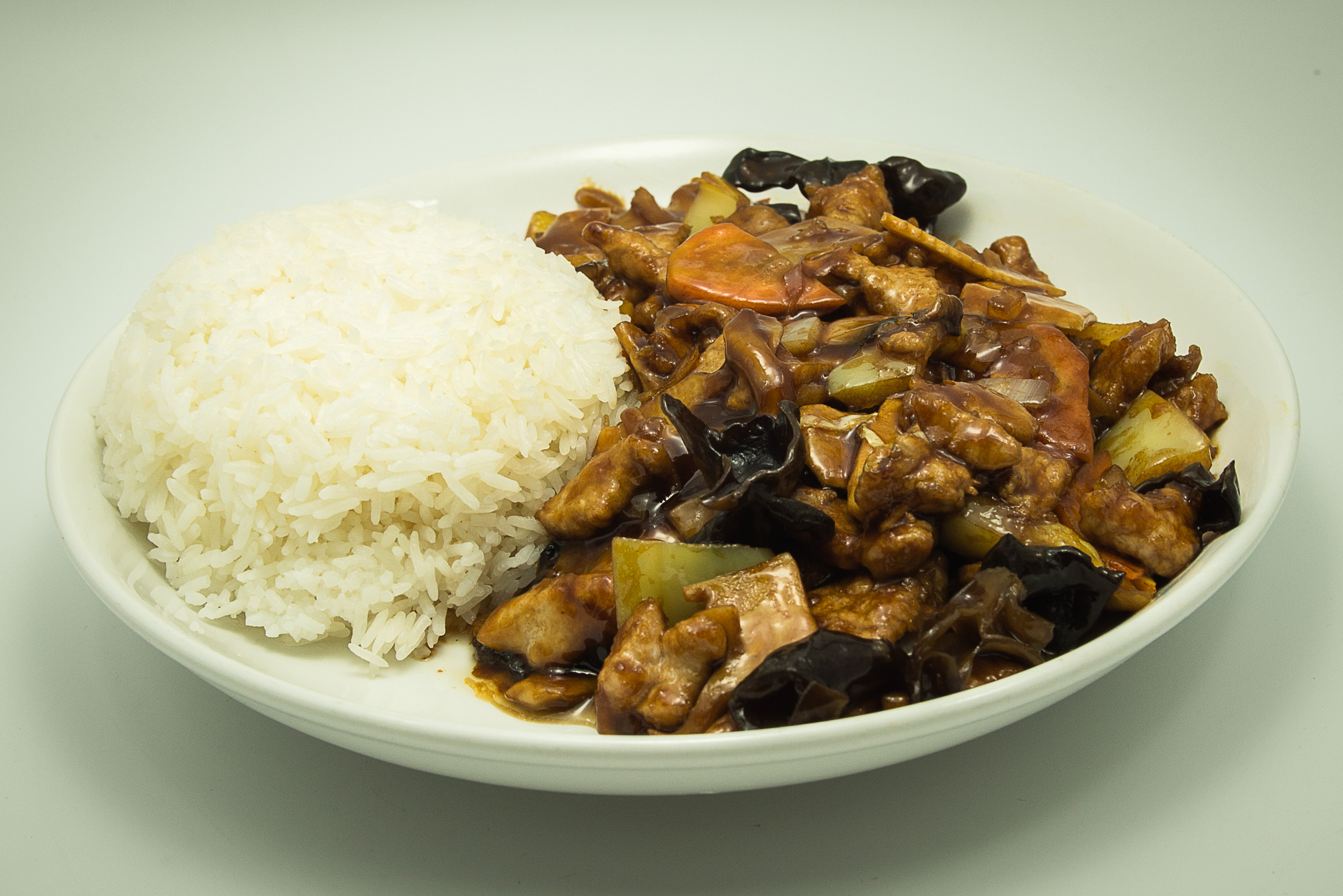 orez-cu-carne-de-porc-si-legume